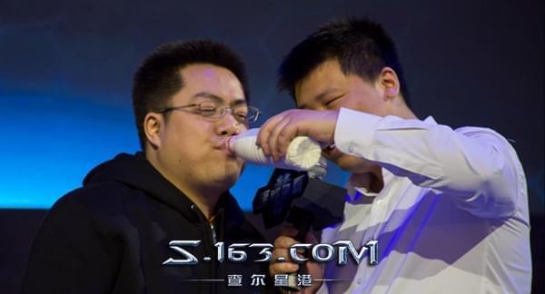 属于中国星际2玩家的福利:星际老男孩播报员上线