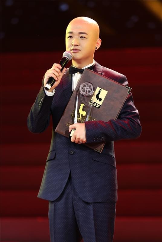包贝尔和剧组主创红毯重聚 提名金鸡奖四次登台