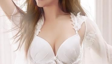 女人要抓住丰胸好时期 4个丰胸秘籍塑造性感美胸
