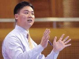 刘强东互联网大会现场险晕倒:因来不及按时吃饭