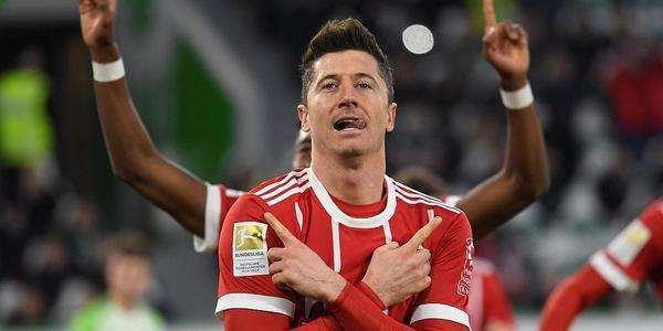 罗本造2球+失点莱万绝杀 拜仁2-1逆转狼堡