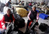 毛坦厂中学陪读老人扎堆:孩子多是留守儿童