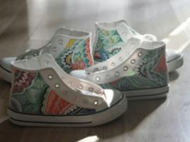 恒大·翡翠华庭:帆布鞋上创意手绘,让周末多点色彩