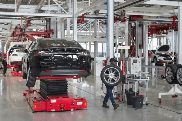 """50万辆Model 3订单背后:特斯拉被曝是""""血汗工厂"""""""