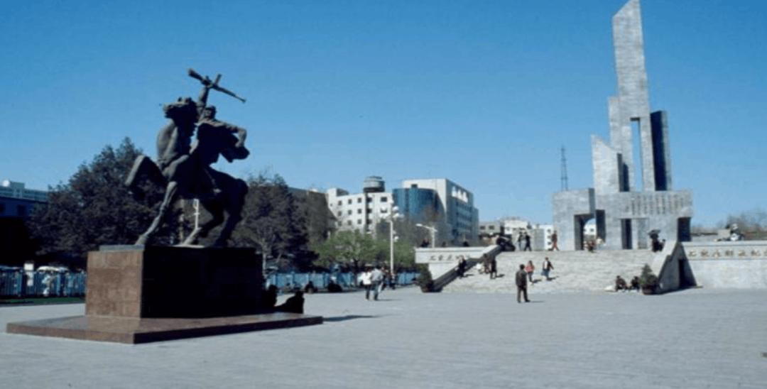 11月12日被设立为石家庄解放纪念日