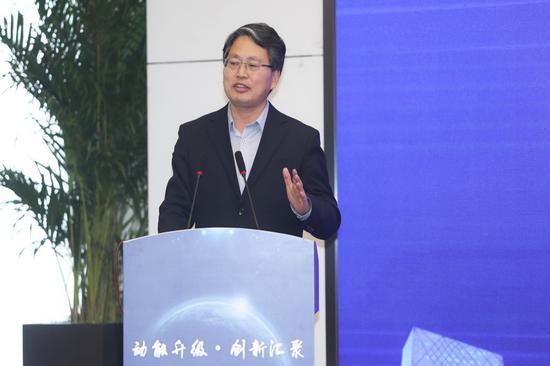 清华大学材料学院常务副院长庄大明教授