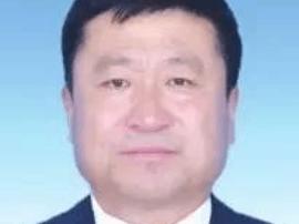 长白山天然矿泉水靖宇水源保护区管理局局长邢升延接受