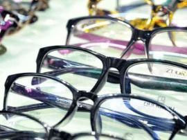 """你的眼镜戴了几年了?超期""""服役""""太伤视力"""