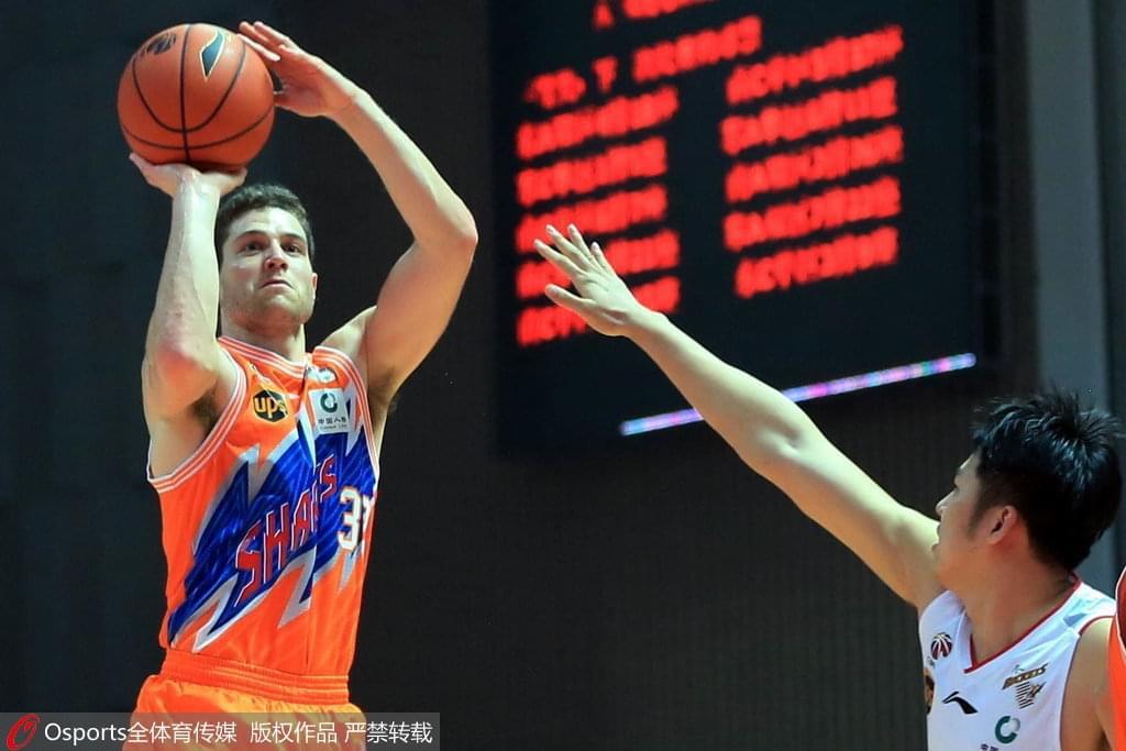 上海15分大胜送八一9连败 弗神54+8许钟豪20+16