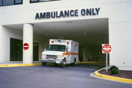 医疗费用高昂 留美学生不敢随意就医引共鸣