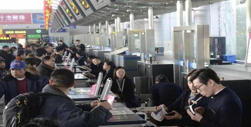 春节机场迎来出行高峰 进出港客流创新高