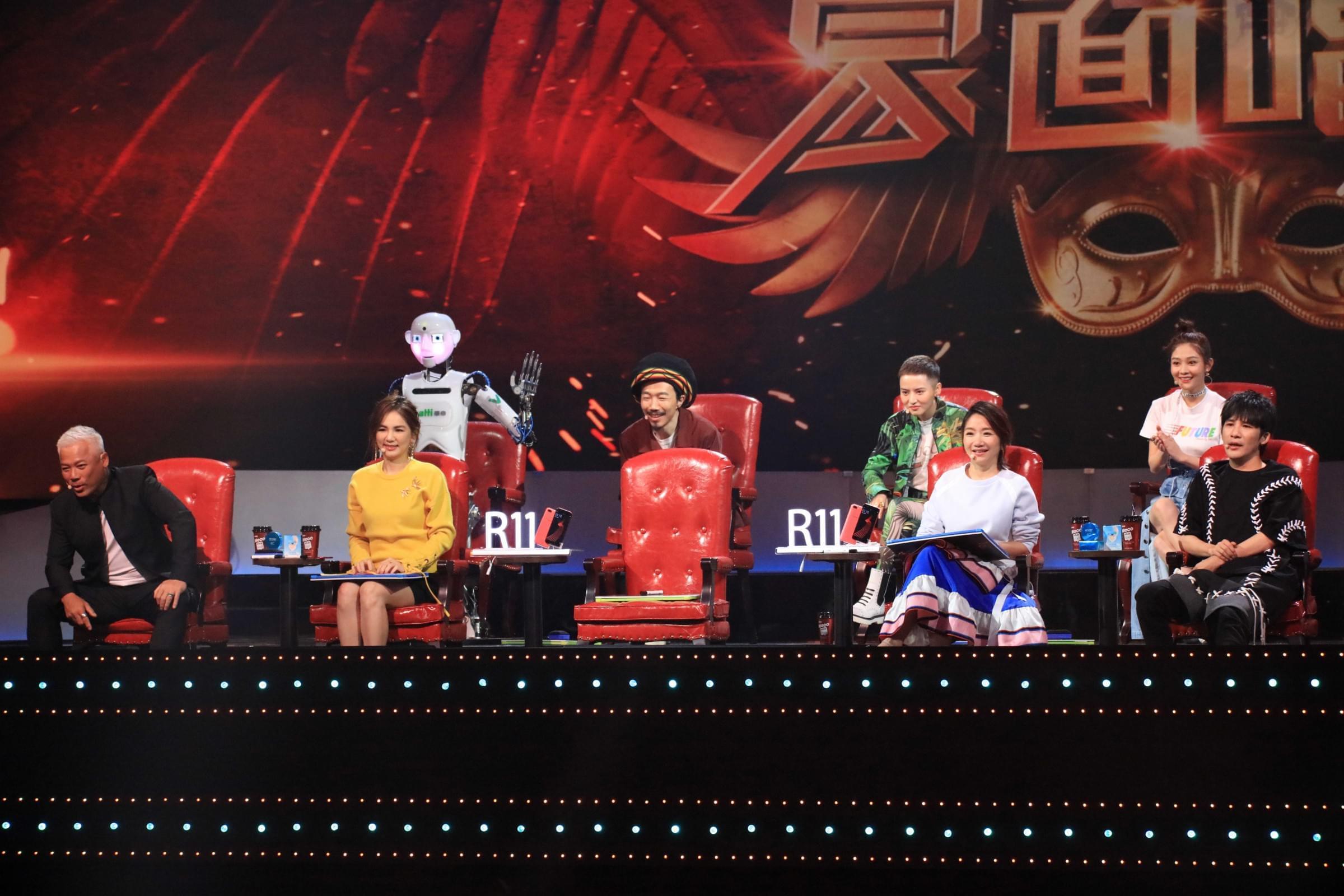 香港天王空降《蒙面唱将2》 自称娱乐圈好男人