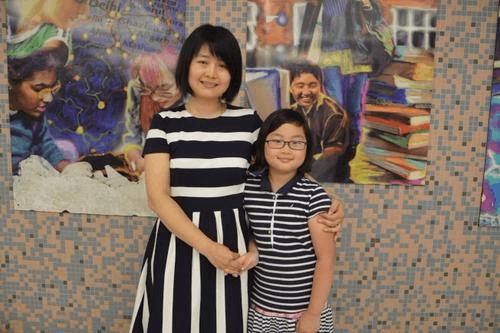 美国华裔家长送子女学中文:不忘本 记住自己的根