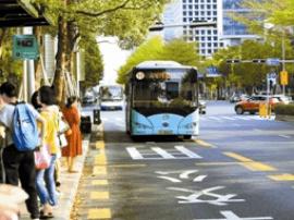 深圳半年内实现全部公交纯电动化 司机:感觉轻松了