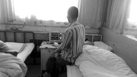 13岁男孩自习课上被同学打伤下体 痊愈后患抑郁症