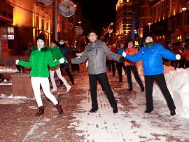 人民日报:广场舞也应有专用场地,场馆少更要规划巧