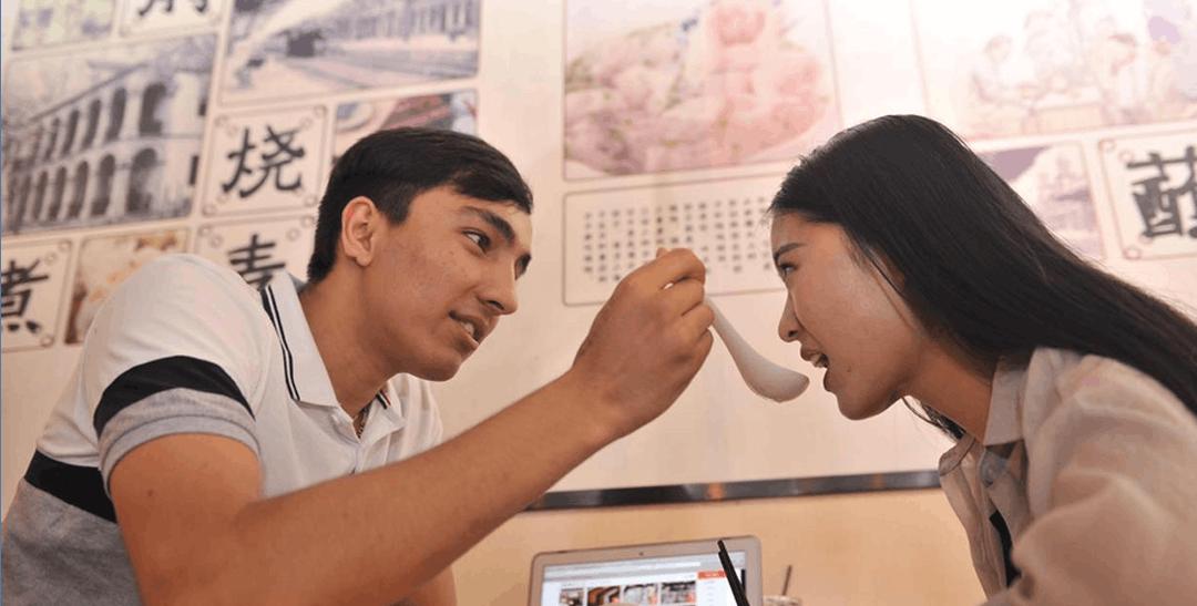 土耳其留学生交中国女友 爱网购欲创业