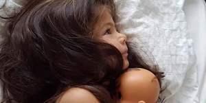 澳两岁女童满头浓密秀发