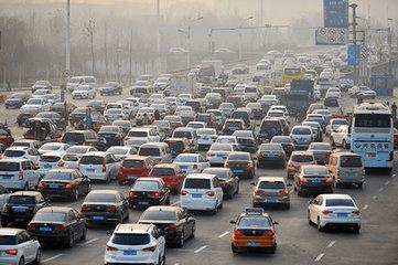 元旦假期最后一天 荆州高速路段迎来返程高峰