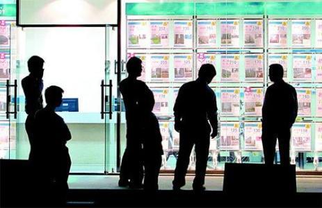 房产中介巨头们的加盟较量升级:直营要变成加盟