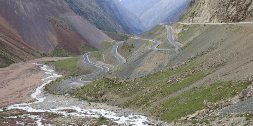 走独库公路 领略新疆天山最美风景