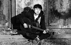 贰佰:民谣歌手的生活并不光鲜
