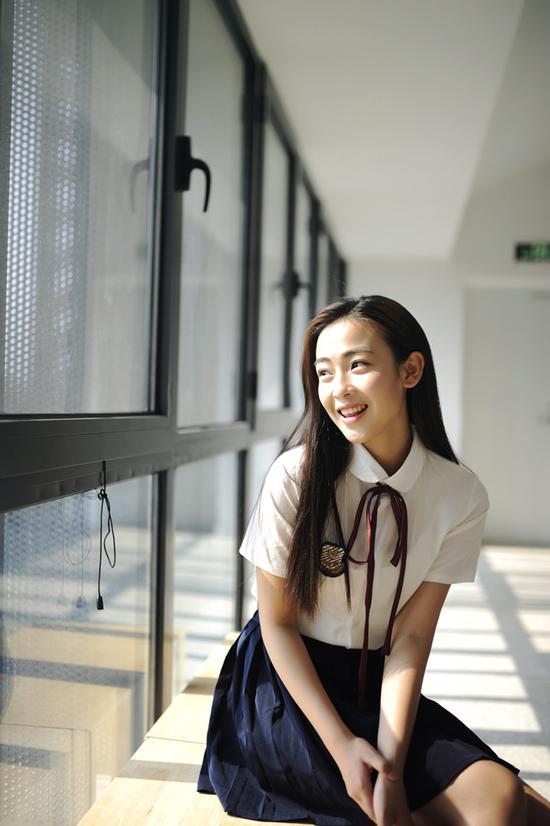《温暖的弦》开播 尚斯琪饰演大学时代一心