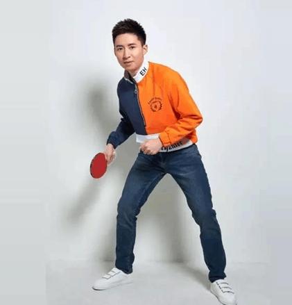 乒乓世界冠军方博跨界时尚圈 展现硬汉另一面