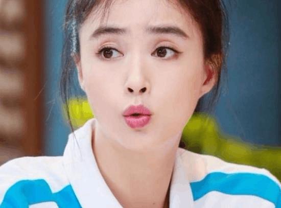 """蒋欣自曝在片场喜欢叫陆毅""""爸爸"""" 最不想减肥"""