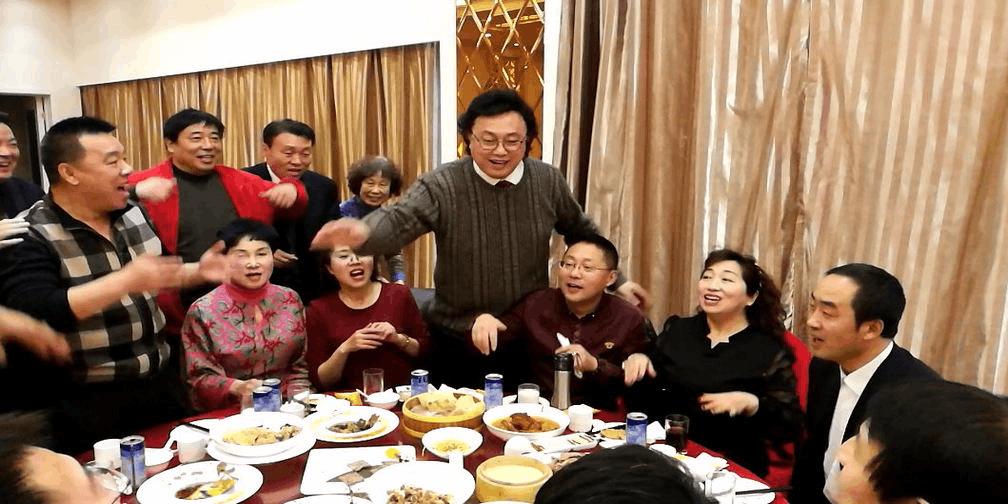 精彩饭局 歌唱家冯宝宏大同弟子唱高兴