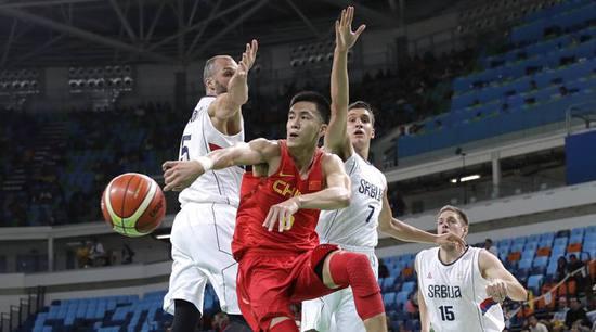 战乱国世界杯前突然分裂,中国球迷高潮了,创神作《国足勇夺世界杯》