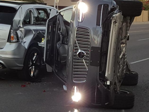 特斯拉自动驾驶车祸家属:我儿子死不归罪于自动驾驶