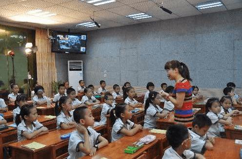 省关心下一代工作委员会来荆州调研