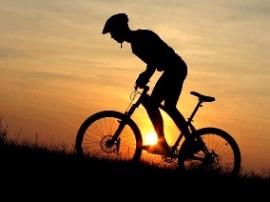 骑行不当或损泌尿系统 骑行方式有不同健身效果