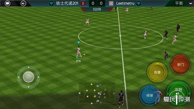 02:玩家可以在虚拟按键和手势操作中进行选择,两者可谓是各有各的不便