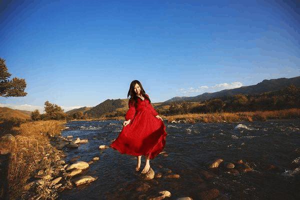 为什么女生去西藏旅游,一定要带上裙子和伞?