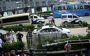 民警出警遭围攻 8名男子阻碍执法被刑拘