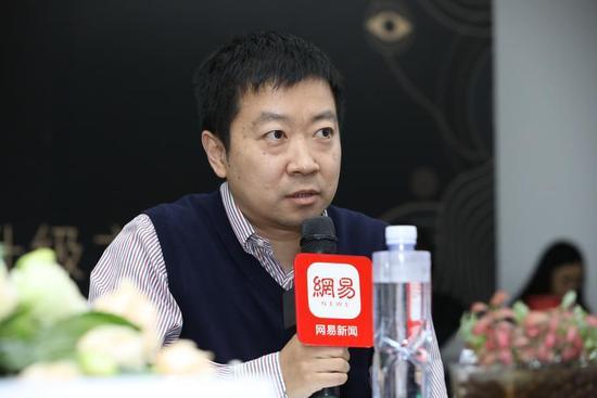 前途出国助理副总裁李浚先生
