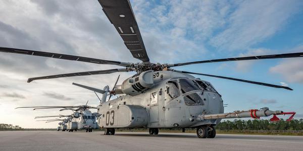 """美国海军陆战队CH-53K""""种马王""""扎堆开会"""