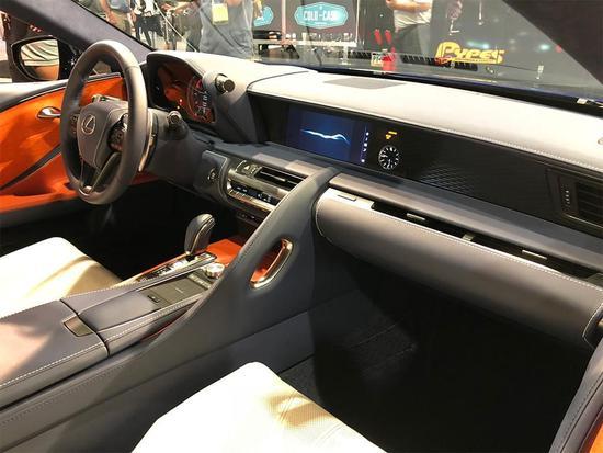 为漫威迷准备 雷克萨斯LC500限量版发布
