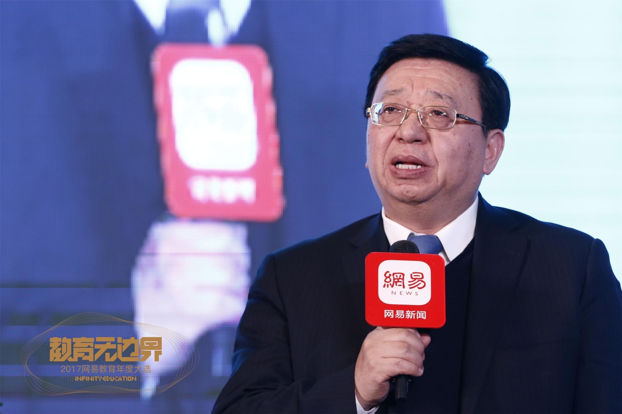 北京市第三十五中学校长朱建民先生