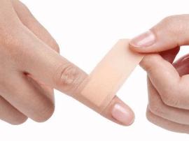 擦伤就上创可贴可致感染 护师谈伤口处理误区