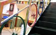 自行车钢圈变餐厅护栏神器