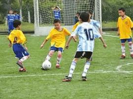 教育部:扎实推进校园足球长期持续健康发展