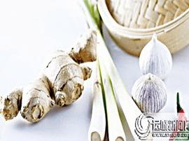 辛辣食物吃法有讲究: 葱类清炒 大蒜生吃