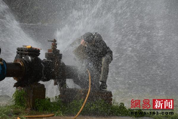新密市自来水公司:多措并举确保夏季高峰供水
