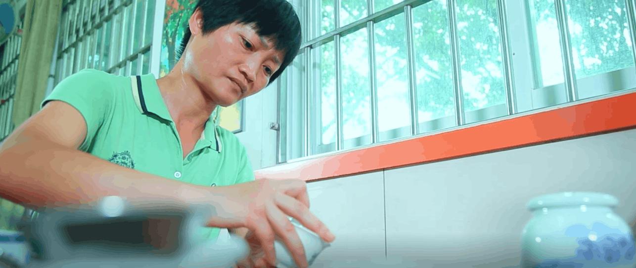 公益微电影《茶译人生》:困境母亲用茶艺撑起艰难人生