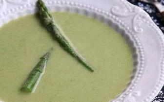 健康素食 浓郁飘香的芦笋浓汤