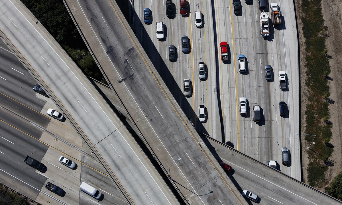 加州议员反对下调排放标准出新招 让州养老金帮忙