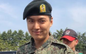 李敏镐结束新兵训练重返服役岗位 将明年5月退伍